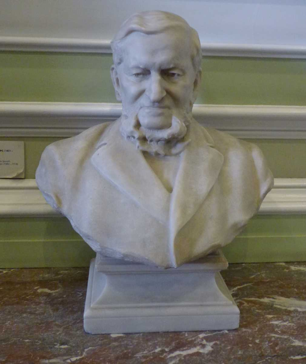 Busts, statues and portraits in the Birmingham Council House